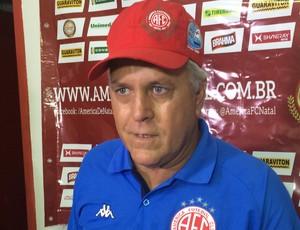 Aluísio Moraes técnico do América-RN (Foto: Carlos Cruz/GloboEsporte.com)