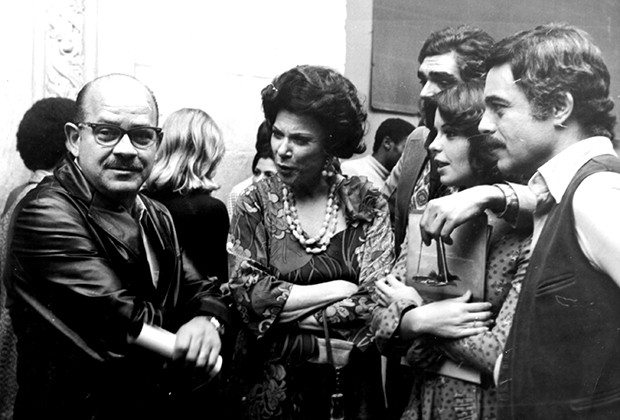 Jorge Andrade com atores de O Grito