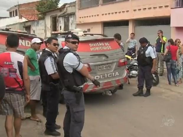 Morte do policial gerou comoção entre vizinhos e amigos (Foto: TV Verdes Mares/Reprodução)