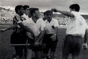 Festa, briga e vitória: Grêmio abre Olímpico na bola e na raça (Divulgação/Memorial Herminio Bittencourt)