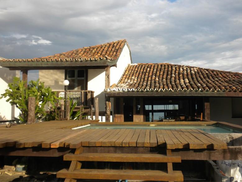 Super Projetos de Zanine Caldas inspiram casas rústicas e cheias de  VE33