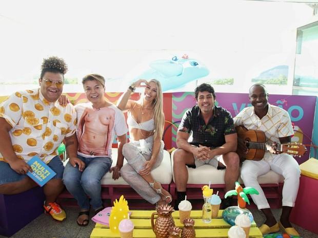 Thiaguinho, Adriane Galisteu e David Brazil so os convidados de Bruno de Luca e Gominho na live do TVZ Vero (Foto: Fabiano Leone/Multishow)
