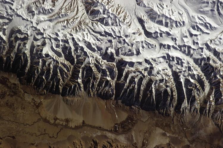 As melhores fotos da Terra vista do espaço tiradas pelo astronauta mais pop da internet