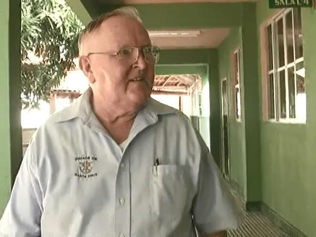O religioso da congregação Santa Cruz passou mal com problemas estomacais e febre alta (Foto: Reprodução/TV Tapajós)