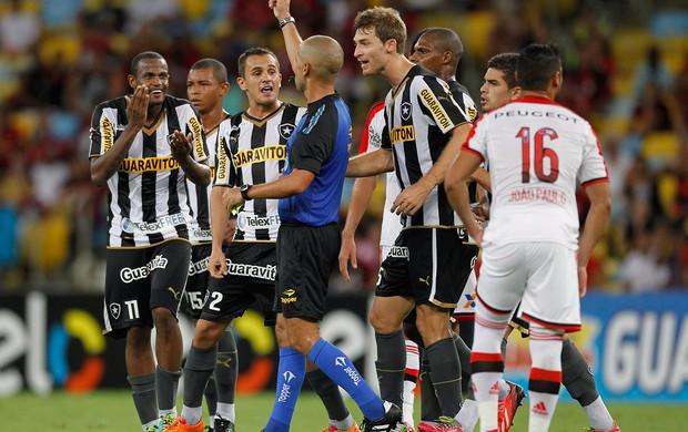 Airton Botafogo x Flamengo (Foto: Márcio Alves / Agência O Globo)