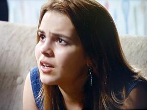 Anita se desespera ao ser proibida de namorar Ben e ter que ir morar na Barra com Caetano