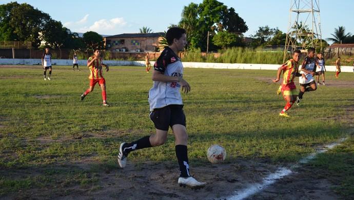 Campeonato santareno sub-16 realizado pelo ISES reúne oito equipes (Foto: Weldon Luciano/GloboEsporte.com)