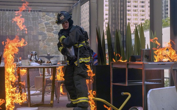 "Chicago Fire - ""Down is Better"" (6Ep6T)"