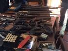 Membro de clube de tiro é preso com 6 armas irregulares em Laguna