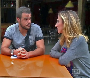 Joaquim Lopes faz teste de afinidade com Tatá Werneck e Gabriel Godoy (Foto: TV Globo)