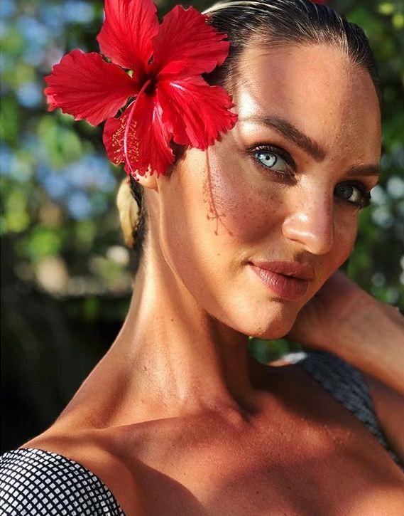 Candice Swanepoel em Fernando de Noronha (Foto: Reprodução/Instagram)