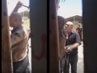 Diretor é afastado após usar martelo e corrente para invadir escola ocupada