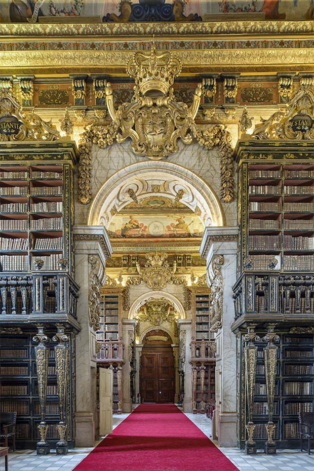 Biblioteca Joanina, em Portugal  (Foto: Reinhard Görner)