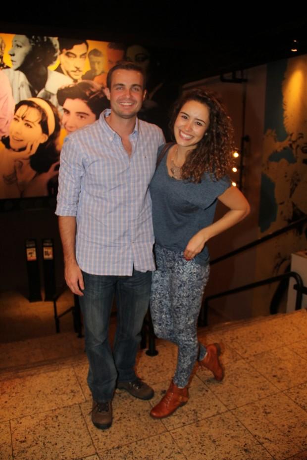 Max Fercondini e namorada (Foto: Rogério Fidalgo - Agnews)