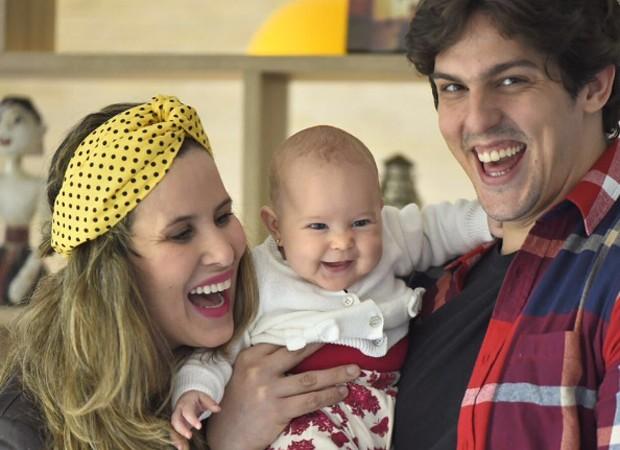 Rafael Infante com a filha, Lara, e a mulher, Tatiana Novais (Foto: Reprodução/Instagram)