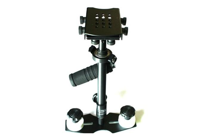 Linecam HD 1000 GTek é de alumínio e pesa cerca de 1,6 Kg (Foto: Divulgação / GTek)
