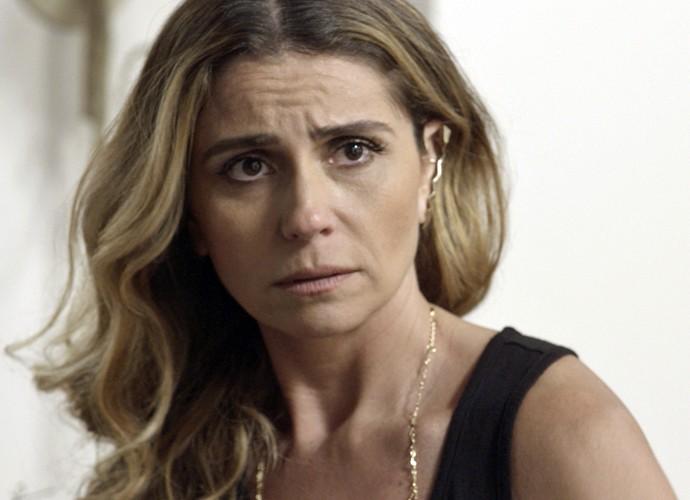 Atena declara amor por Romero, mas recebe ameaça de Zé Maria (Foto: TV Globo)