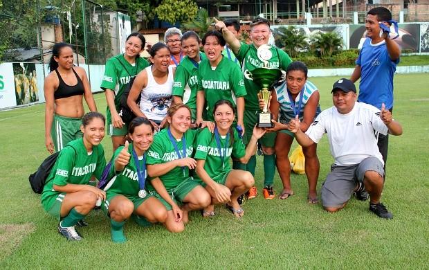 Itacoatiara, futebol feminino (Foto: Adeilson Albuquerque/Globoesporte.com)