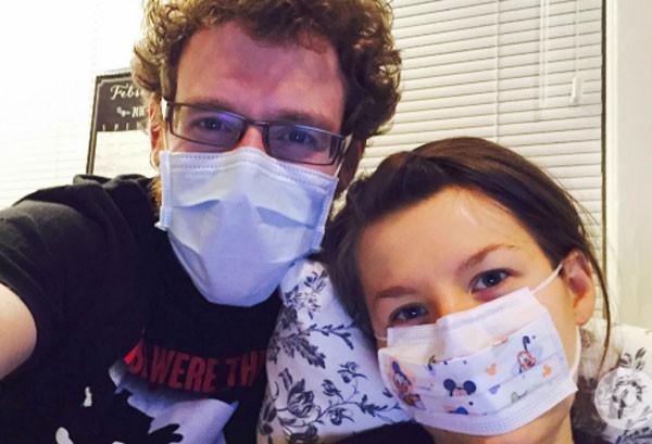 Johanna Watkins desenvolveu alergia ao marido (Foto: Reprodução)