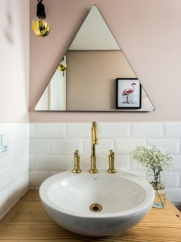 Detalhe do banheiro do casal do @apartamento33 (Foto: Victor Affaro)