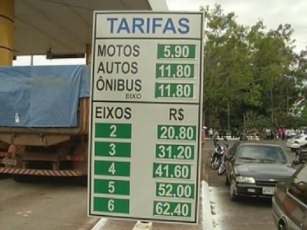 Motoristas reclamam dos valores da praça (Foto: Reprodução TV Tem)