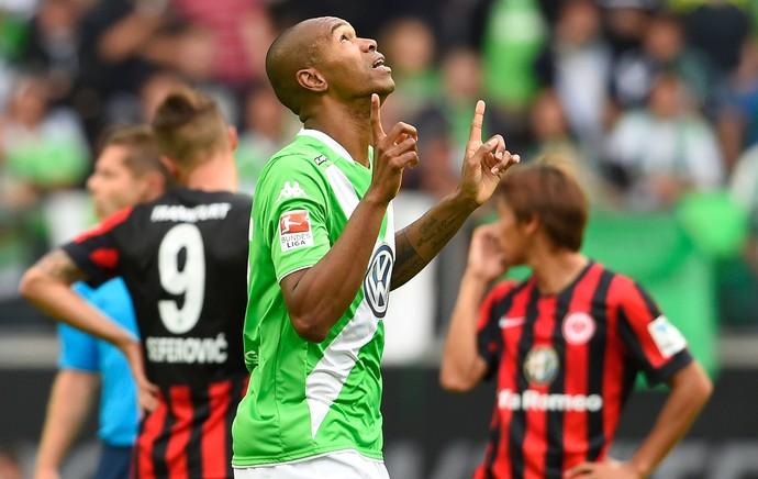 Naldo comemora gol do Wolfvsburg contra Eintracht Frankfurt (Foto: AFP)