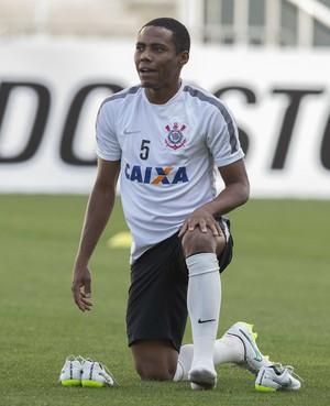 Com proposta do Flamengo, Elias decide continuar no Corinthians