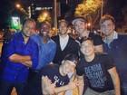 Neymar passeia por Barcelona com Thiaguinho e amigos: 'Turistando'