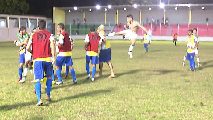 Confusão na partida Lucena x Leonel (Foto: Reprodução / TV Cabo Branco)