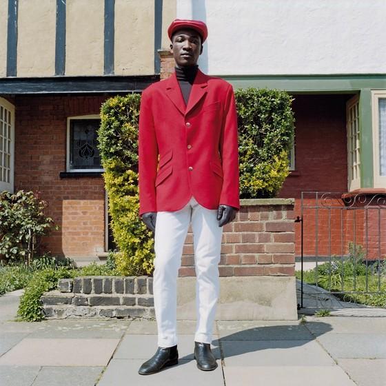 Jason Evans    Sem título | 1991  Evans usa imagens de moda como plataforma para explorar realidades políticas, de gênero, etnia, aspiração e oportunidade (Foto:  Jason Evans)