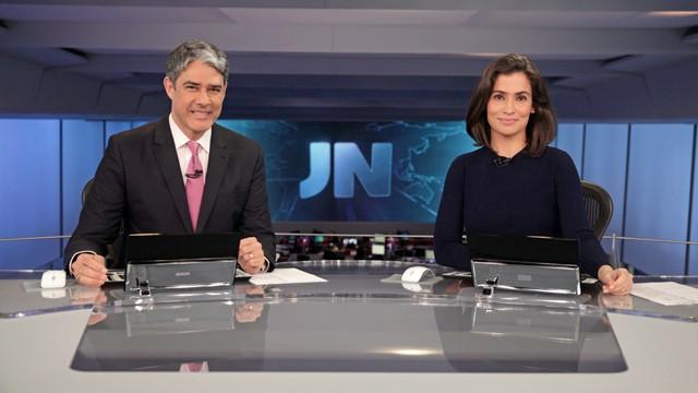Renata Vasconcellos e William Bonner no novo cenário do Jornal Nacional (Foto: Globo)