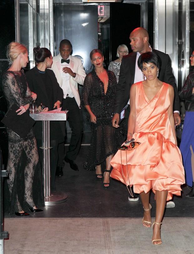 Beyoncé e Jay-Z deixam evento após briga com Solange Knowles (Foto: Agência X17)