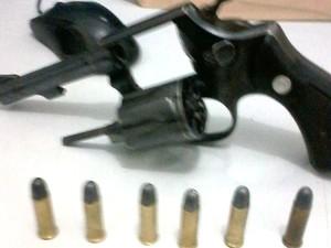 Armas foram apreendidas durante a ação  (Foto: Polícia Civil/Divulgação)
