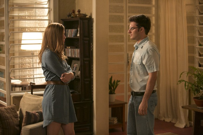 Augusto e Vitória conversam sobre a briga com Mág (Foto: Raphael Dias/Gshow)