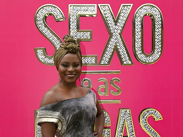Karin Hils ficou feliz com o resultado da sua primeira cena de sexo (Foto: Raphael Dias / TV Globo)