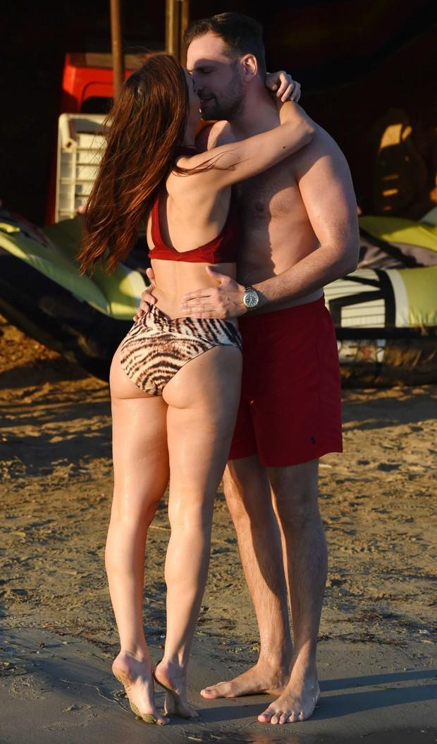 Jennifer Metcalfe e o namorado, Greg Lake (Foto: AKM-GSI)