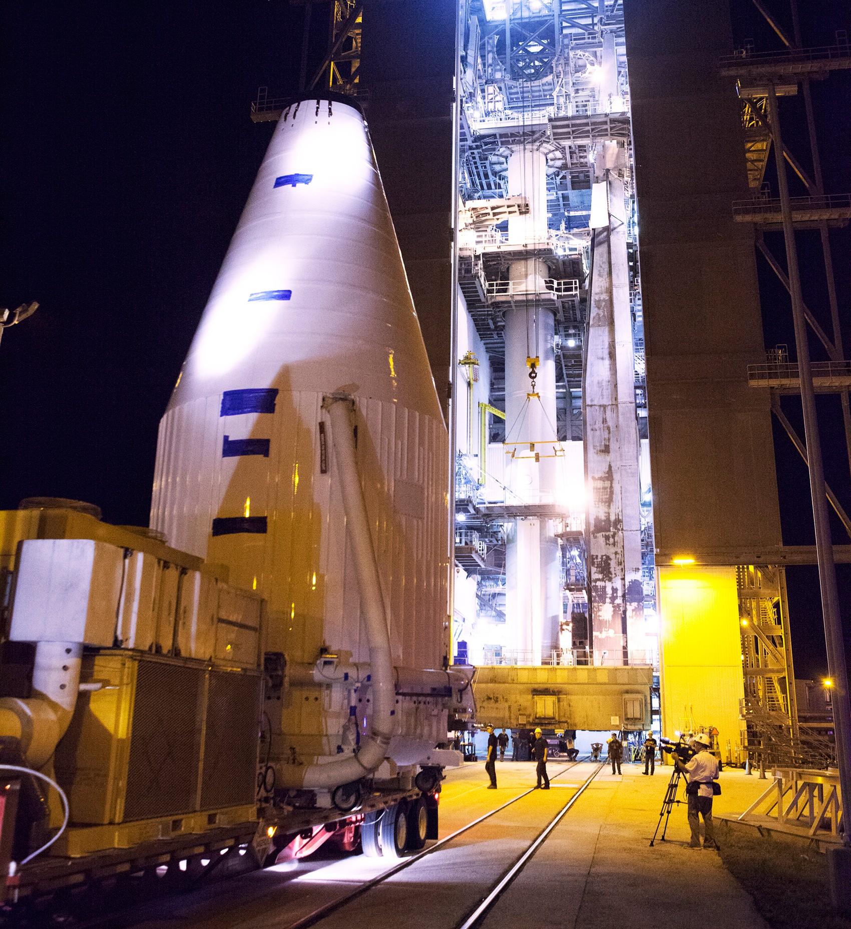 Nave Osiris-Rex chega em complexo da Estação Aeroespacial de Cabo Canaveral  (Foto: NASA/Dimitri Gerondidakis)