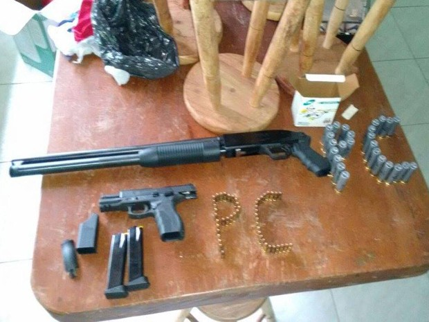 Material foi apreendido com suspeito em Divinópolis (Foto: Polícia Civil/Divulgação)