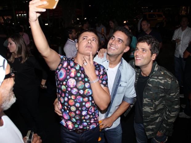 David Brazil, André Marques e Bruno Gagliasso em evento no Rio (Foto: Rodrigo dos Anjos/ Ag. News)