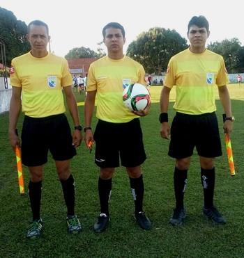 Árbitros de Rodrigues Alves terá primeira experiência no futebol profissional (Foto: Adelcimar Carvalho)