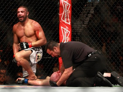 Thales Leites x Tim Boetsch, UFC 183 (Foto: Getty Images)