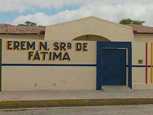 'Escola se encontra em funcionamento normal', diz assessoria de Educação. (Foto: Reprodução/ TV Asa branca)