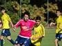Academia de futebol em Brasília incentiva o estudo por bolsa nos EUA