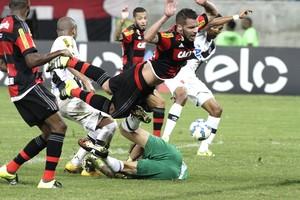 Canteros em ação contra o Vasco (Foto: Gilvan de Souza / Flamengo)