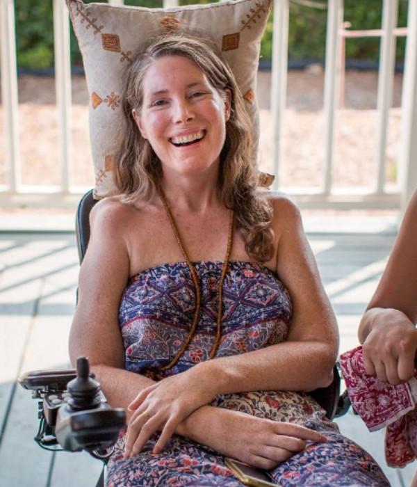 Betsy Davis, americana de 41 anos, em sua despedida (Foto: Reprodução/Facebook/Niels Alpert)
