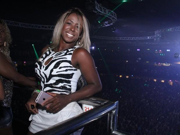 Ex-BBB Adélia em show na Zona Oeste do Rio (Foto: Thyago Andrade/ Brazil News)