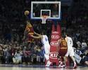 Triplo-duplo de LeBron e 90 pontos do supertrio: Cavs batem os Sixers