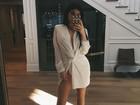 Kylie Jenner usa vestido sexy e exibe o look em rede social