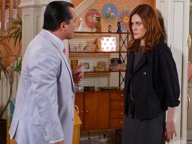Nenê faz chantagem e deixa Veruska assustada (Foto: Guerra dos Sexos / TV Globo)