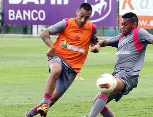 Chaparro e Dieyson, Vasco (Foto: Marcelo Sadio / Agência Estado)